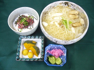 松茸にゅう麺とミニすきみとろろ丼.jpg