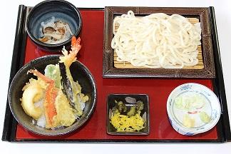 手延べうどんと海鮮天丼2.JPG