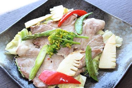 豚肉と春の香味野菜2.JPG